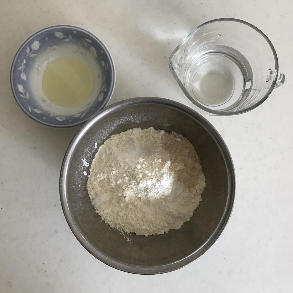 「とっても簡単な塩パン」の材料