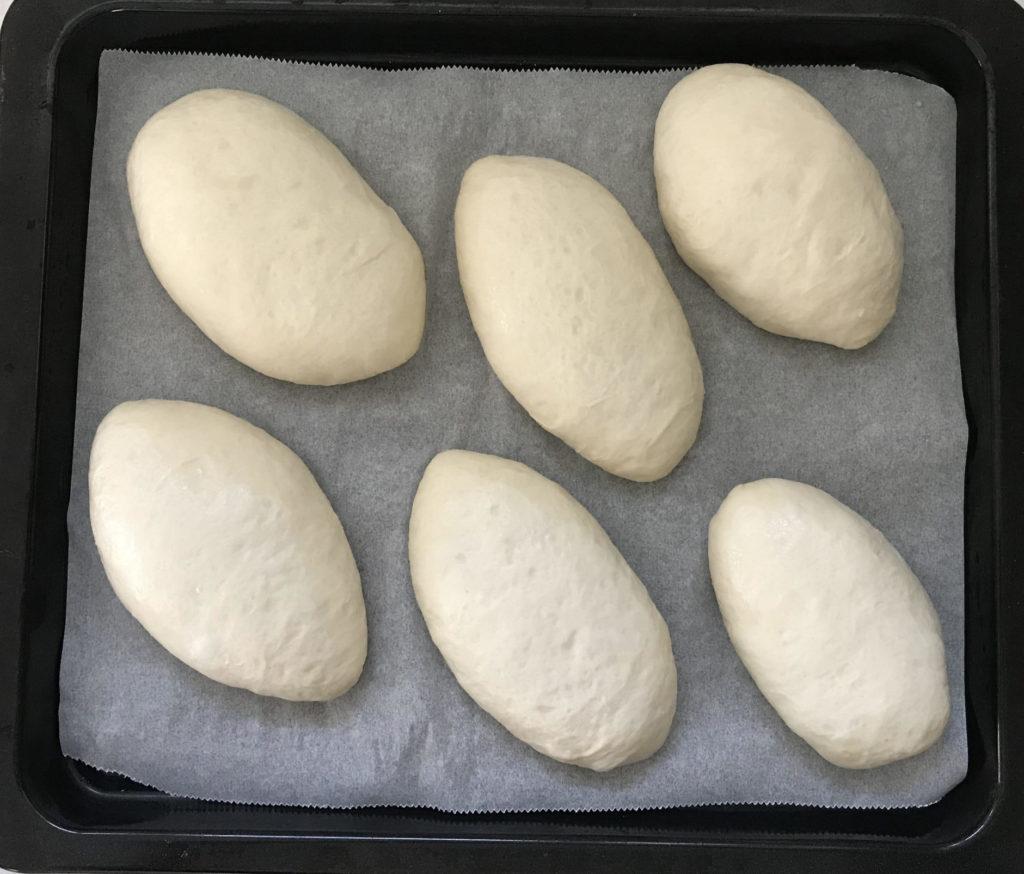 カレーパンに成形