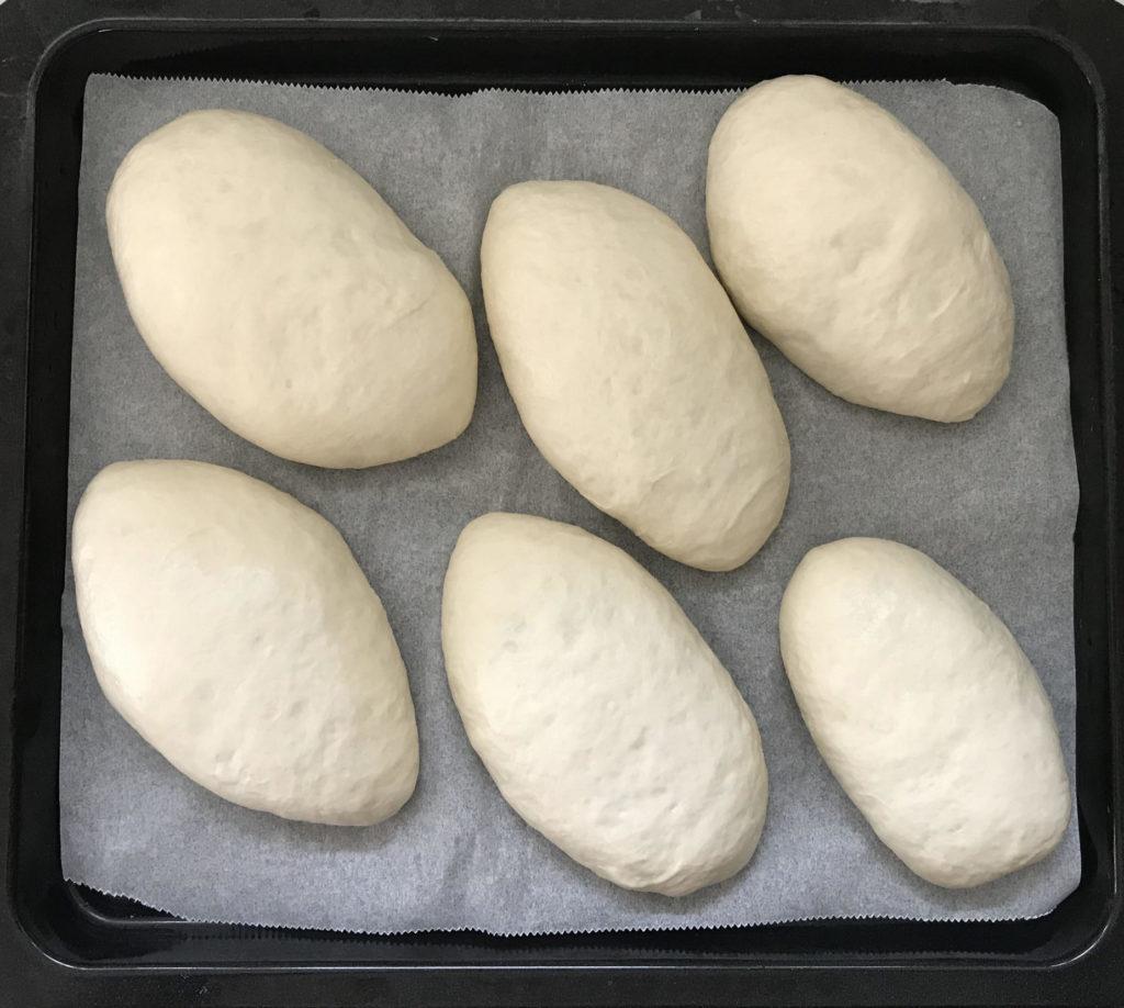 ヘルシーにカレーパンを焼き上げる