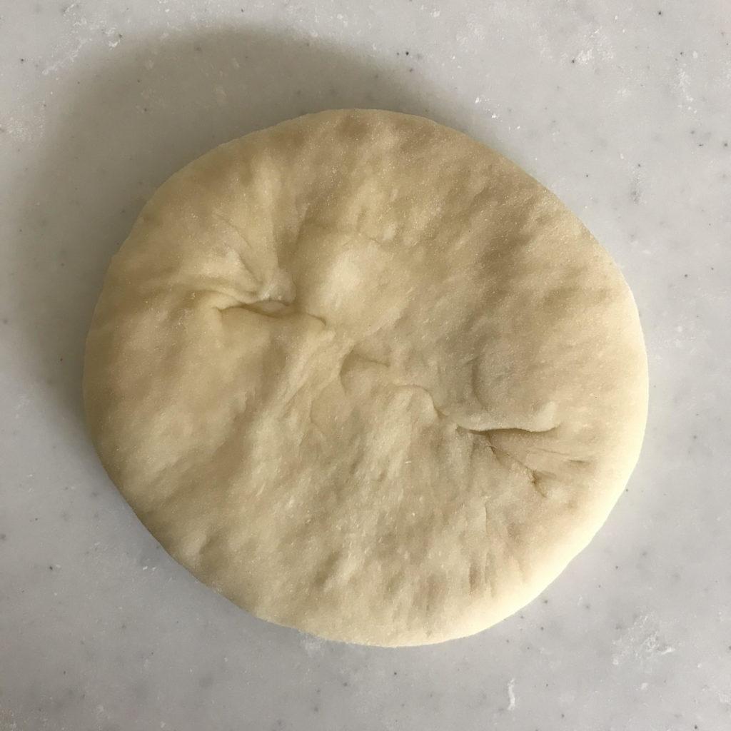惣菜パン 成型