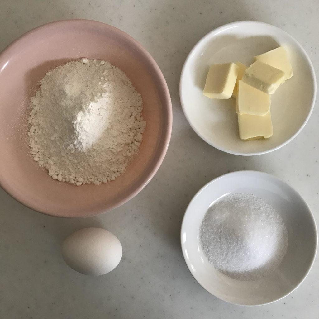 レアチーズケーキタルトのタルト生地の材料