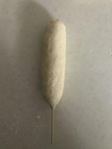 チーズハットグの成形